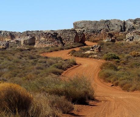 Kagga Kamma, gravel road, rocks