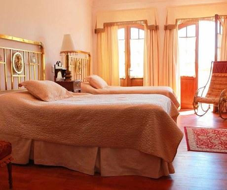 Sucre -- parador-santa-maria-room