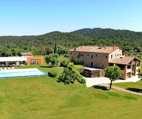 villa-costa-brava-spain-luxury-pool-mas-mateu