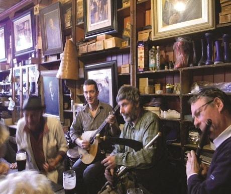 Dingle-pub-min