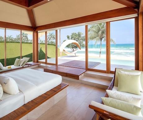 Fusion-Resort-Nha-Trang-Oceanfront-pool-villa
