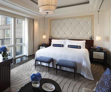 Peninsula-Shanghai-luxuryhotel-CrossingTravel-bedroom-Bund