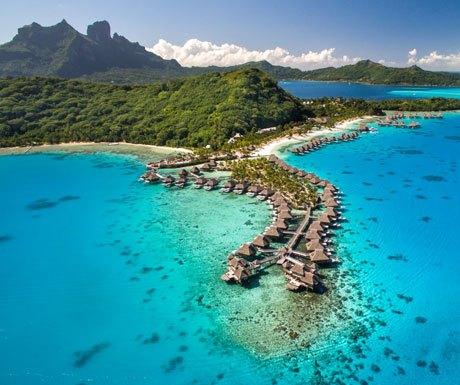Island hopping in French Polynesia
