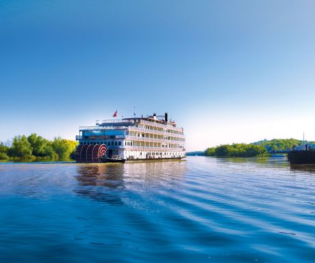 American River cruise vessel on the Mississippi