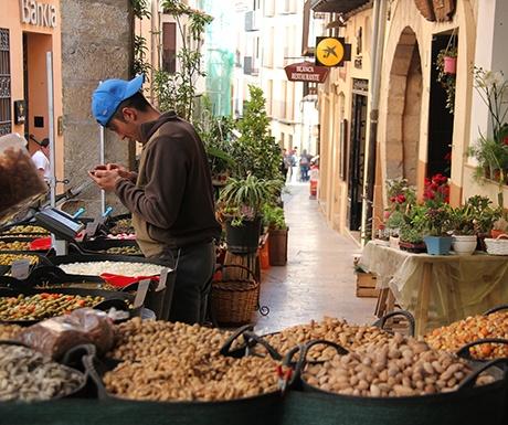 Morella market stall