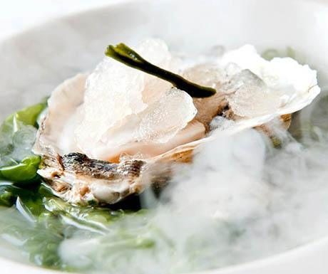 Oyster from the Delta crionised in lime and Cava