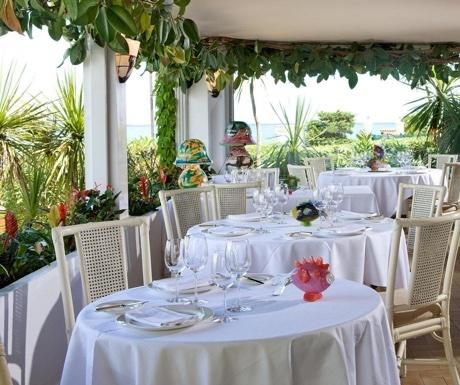 Restaurant Le Bacon on Cap d'Antibes