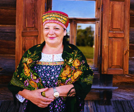 lady-on-suzdal-golden-ring