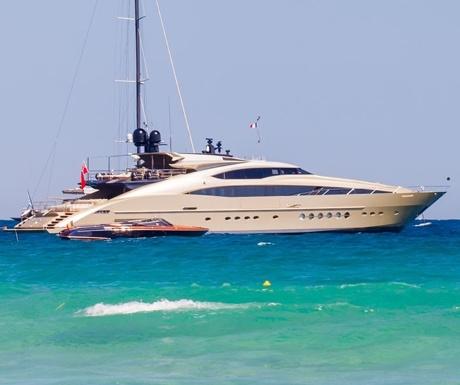 Palmer Johnson yacht in St Tropez