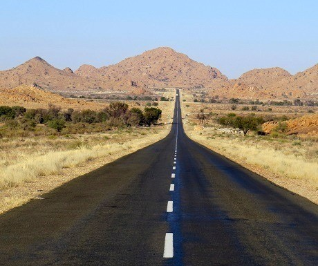 Namibia-south-to-north-road