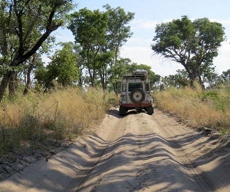 namibia-khaudum-landrover
