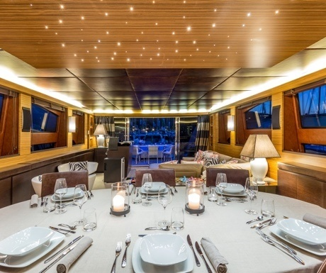 Dining on a yacht charter