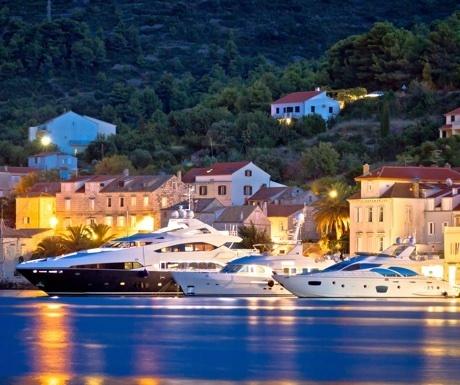 Luxury charter yachts in Croatia