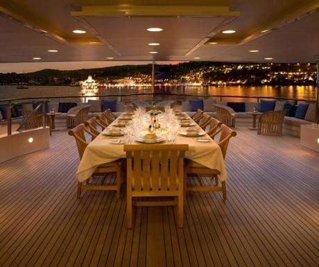 Superyacht dining