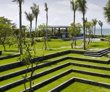 Villa Arnalaya gardens