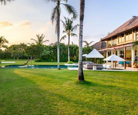 Villa Shalimar Estate gardens
