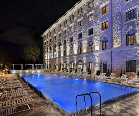 Brown Hotel Trogir
