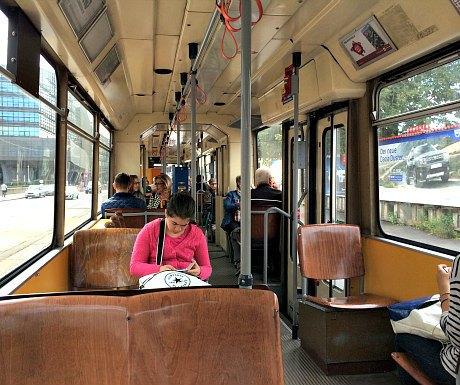 Avoid tourist crowds in Vienna: tramway