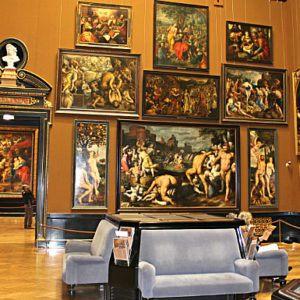 Avoid Tourist Crowds in Vienna: Kunsthistorisches Museum