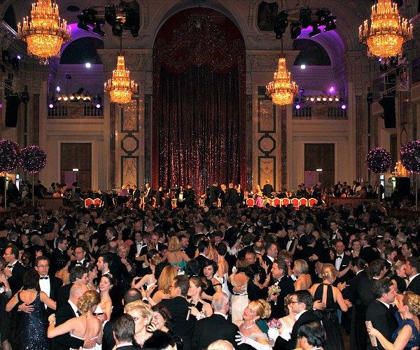 vienna dance opportunities: Hofburg ball