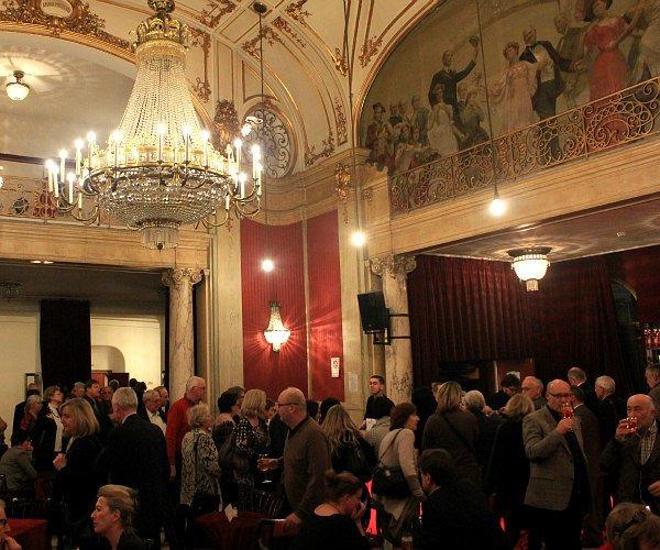 vienna dance opportunities: Rote Bar, Volkstheater