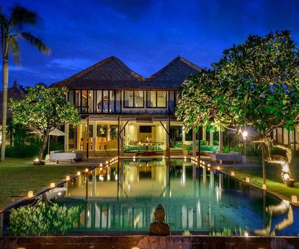Villa-Shalimar-Bali-Estate-at-night
