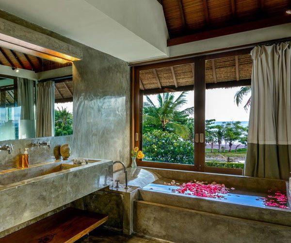 Villa-Shalimer-Estate-bathroom-and-shower-room