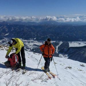 5 top tips for ski touring etiquette