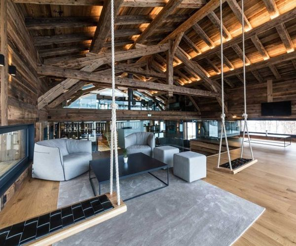 The airy and open Chalet Joux Plane