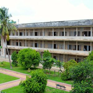 Why you should visit Phnom Penh prison and killing fields