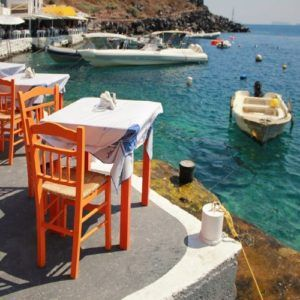 Highlights of the 5 sparkling Greek Island chains best visited by yacht charter