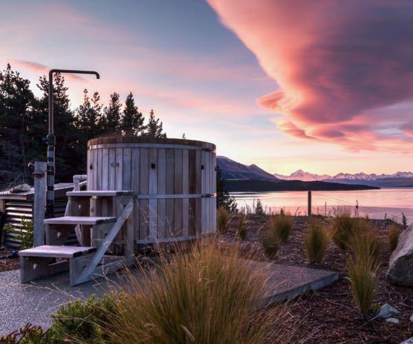 Mt Cook Lakeside Retreat