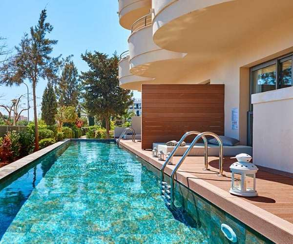 Protur Biomar Gran Hotel swim up rooms