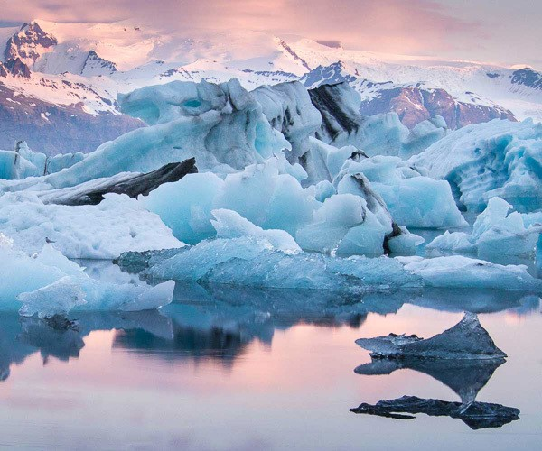 Jokulsarlon Glacier Lagoon, the one-of-the-kind nature wonder in South Iceland