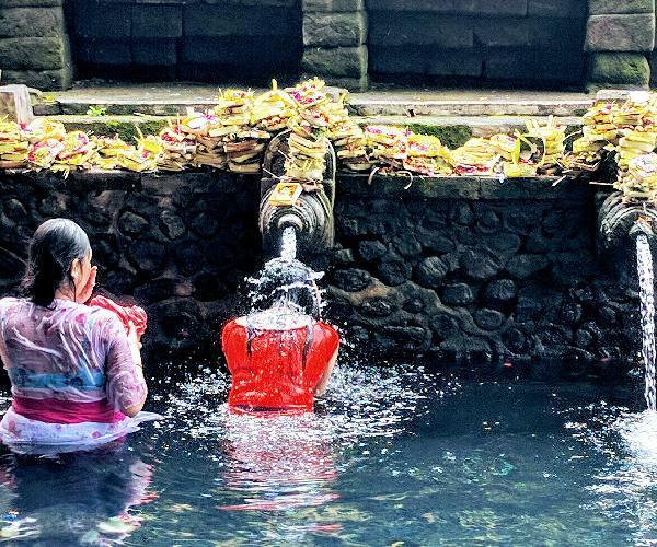 pura-tirta-empul-temple