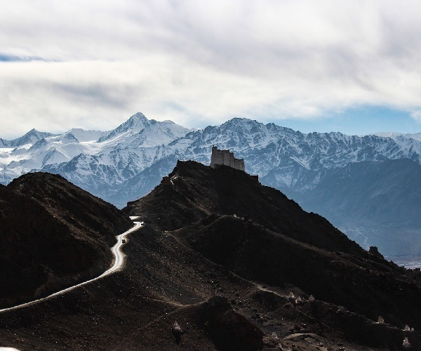Himalayan mountains landscape