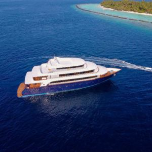 Discover the magic of the Maldives with luxury yacht SAFIRA