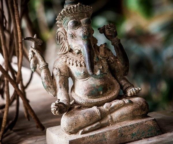 india-statue
