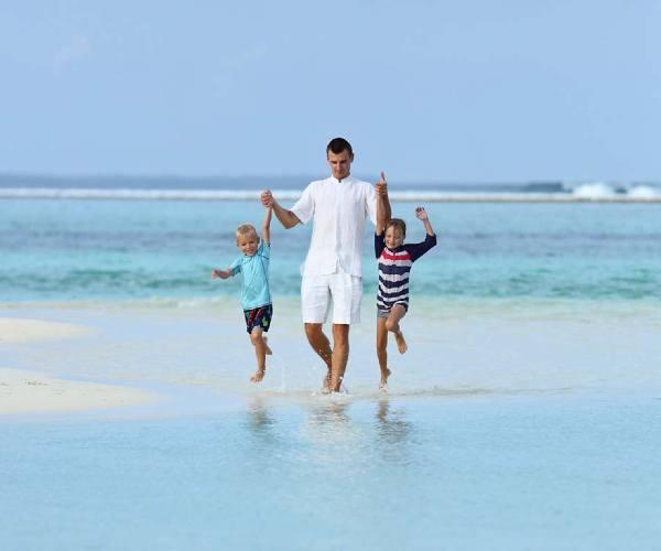 Luxury family volunteer vacation