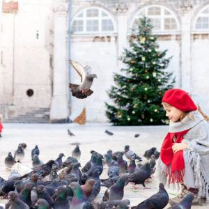 Why should you visit Dubrovnik during Christmas?