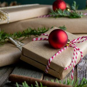 Top 10 luxury travel gifts for her this Christmas (US & Canada edition)