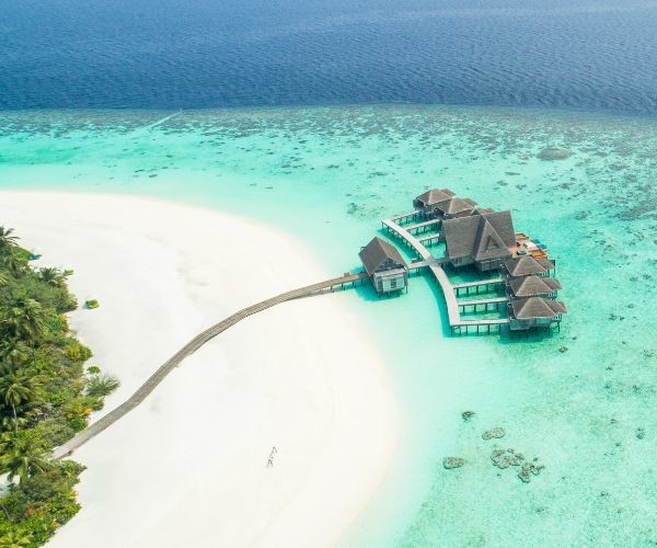 Now you can earn points with each visit to the Maldives (and win a $7,000 holiday!)