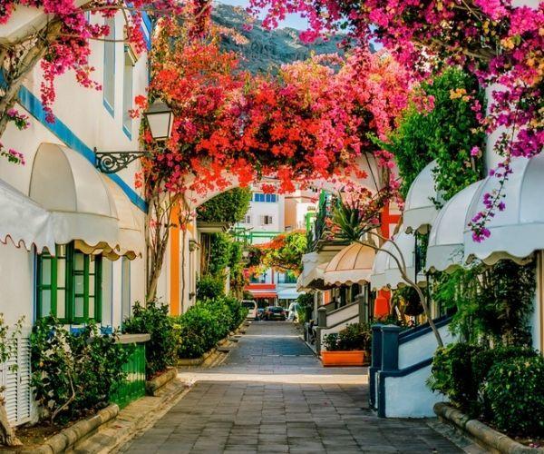 Puerto Mogan Cobbled Streets