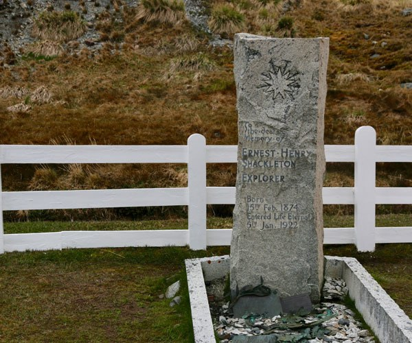 Tombstone Shackleton, explorer Untamed Antarctica