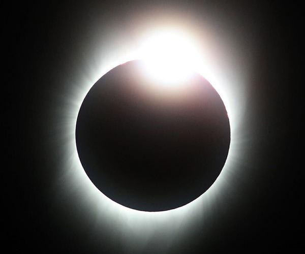 Eclips Antarctica 4 December 2021