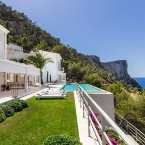 5 stunning Mallorcan villas with a pool
