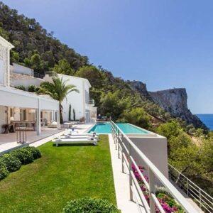 5 stunning Mallorcan villas with a pool