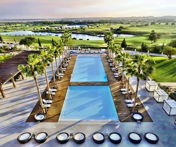 The best 5 luxury resorts in the Algarve
