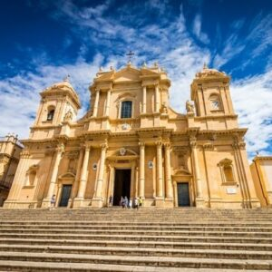 8 romantic things to do in south-east Sicily