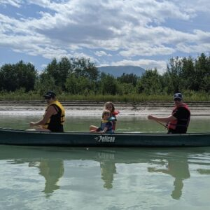 5 ways to stay safe on a family canoe trip this Summer